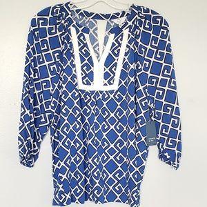 NWT Crown & Ivy tile print blouse
